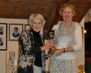 WHCG 2015 - Prof Trophy - Lesley Dinsmore